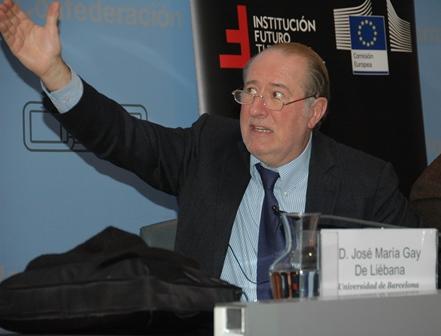 Conferencia con José María Gay de Liébana, catedrático de economía