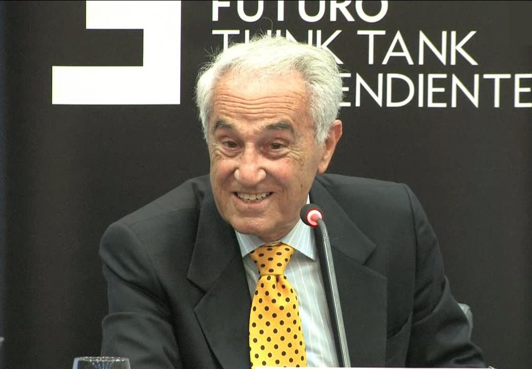 Conferencia con José María Carrascal, periodista y escritor