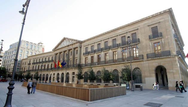 """Institución Futuro critica la fiscalidad navarra, """"la peor"""" respecto a otras comunidades  Diario de Navarra"""