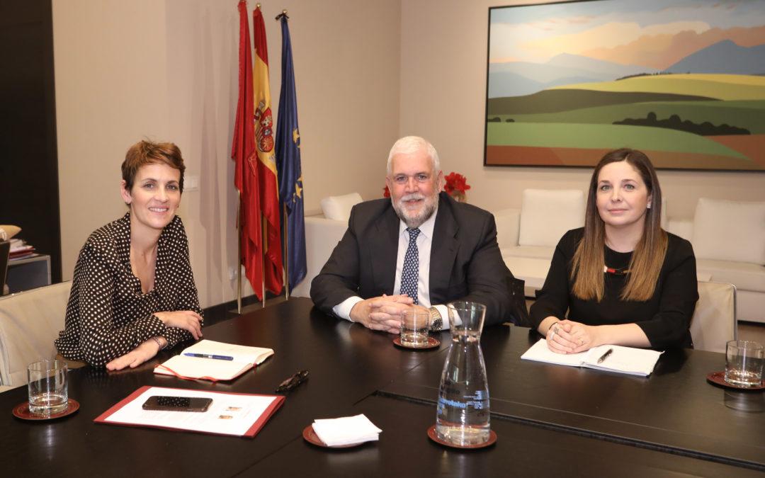 La Presidenta de Navarra recibe a Institución Futuro  Institución Futuro ha presentado a la Presidenta sus actividades y principales preocupaciones sociales